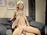 cps0019804 Sassy blonde is fucked in a retro xxx video